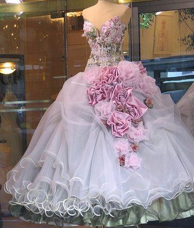 Свадебное платье: шить ли на заказ